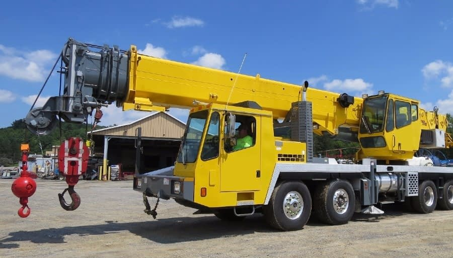 Truck Crane Service for Construction Projects