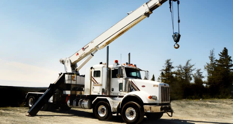 Advantages Of A Truck Crane Service For Construction Jobs